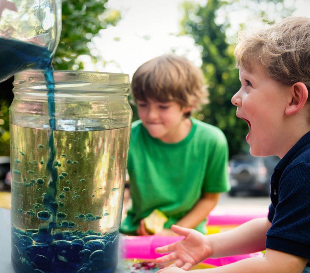 Proefje: lavalamp maken met kinderen